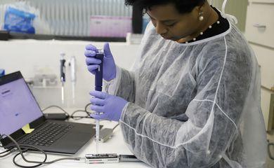Jacqueline Goes de Jesus, uma das cientistas do Brasil que concluiu o sequenciamento do DNA do coronavírus.