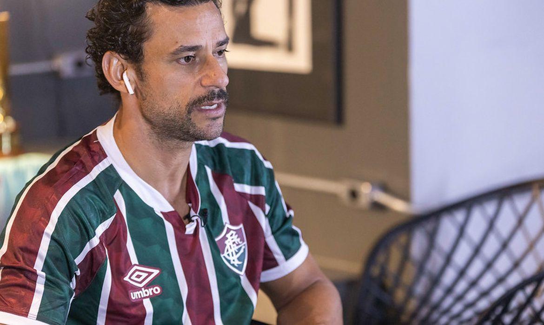 Fred é apresentado pelo Fluminense, pelas redes sociais, e clube ganha milhares de novos seguidores