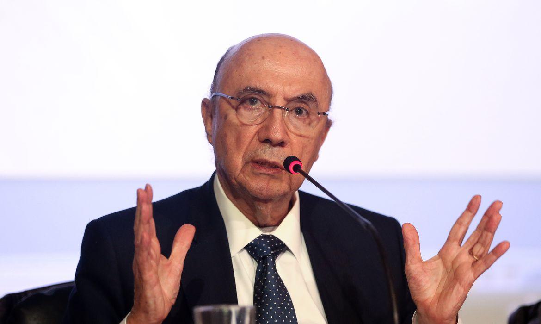 Brasília - O ministro da Fazenda, Henrique Meirelles fala sobre o déficit primário para 2016, durante coletiva de imprensa  (Wilson Dias/Agência Brasil)