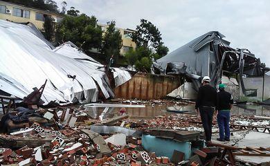 Fortes tempestades atingem Santa Catarina