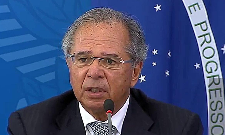 O ministro da economia, Paulo Guedes, durante coletiva sobre o coronavírus