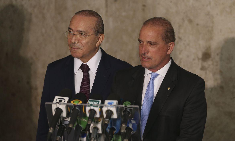 Entrevista coletiva com o ministro-chefe da Casa civil, Eliseu Padilha e o futuro ministro da Casa Civil, o deputado Onyx Lorenzoni.