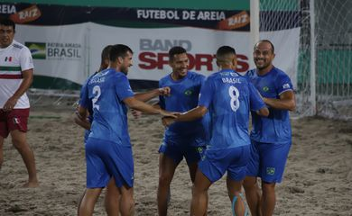 Brasil x México - Futebol de Areia Raiz