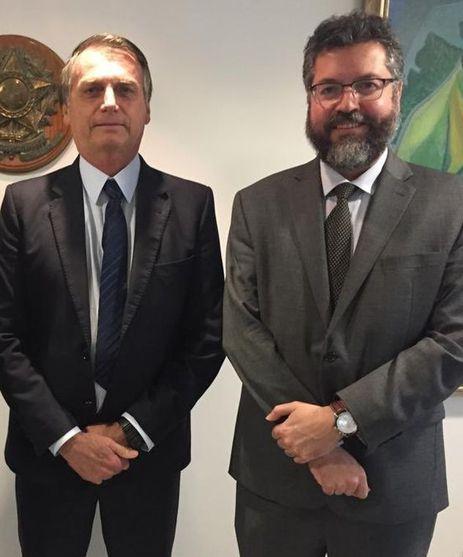 O presidente Jair Bolsonaro, recebe o Chanceler Ernesto Araújo