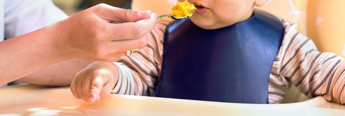 Vitamina pode ser encontrada em  legumes amarelos, fígado bovino, leite, verduras e frutas
