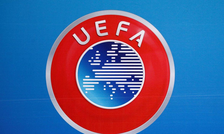 Logo da Uefa antes de entrevista coletiva na sede da entidade em Nyon, na Suíça - símbolo
