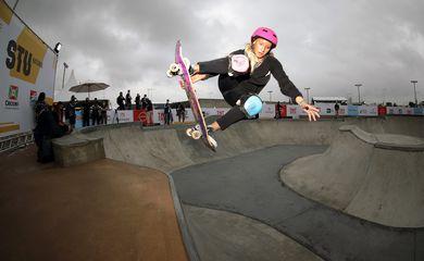 Victoria Bassi é uma das principais skatistas brasileiras no circuito.