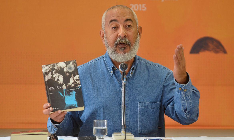 O escritor cubano Leonardo Padura,afirma que no futuro, se alguém ler os jornais atuais de Cuba e os livros, vai pensar que existiam dois países diferentes (Tânia Rêgo/Agência Brasil)