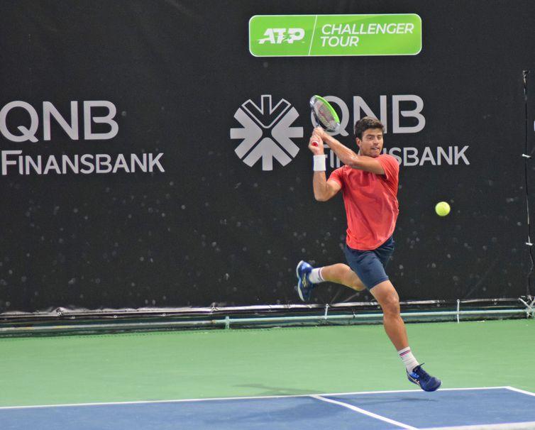 João Menezes compete no Challenger de Istambul 2021.