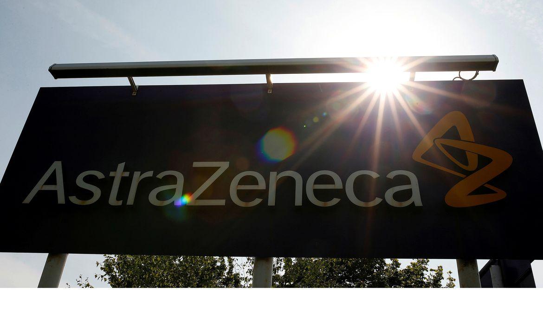 Logo da AstraZeneca em Macclesfield, na Inglaterra