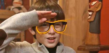 Dalton ganha óculos mágicos de seu avô