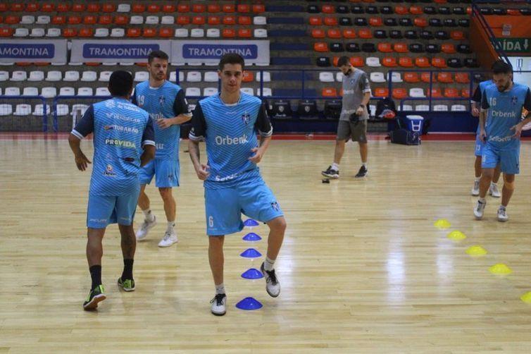 Tubarão-SC vai mandar o jogo na cidade de Carlos Barbosa (RS).