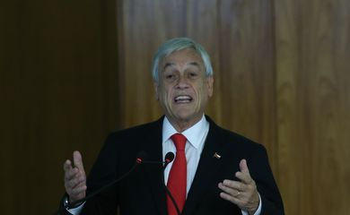 O presidente do Chile, Sebastián Piñera, fala à imprensa, no Palácio do Planalto