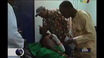 Ministro da Justiça do Mali visita sobreviventes de massacre no hospital