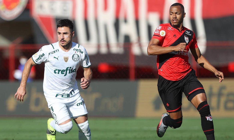 Palmeiras vence Atletico-GO