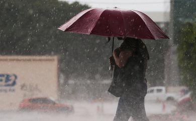 Chuva no Plano Piloto em Brasília