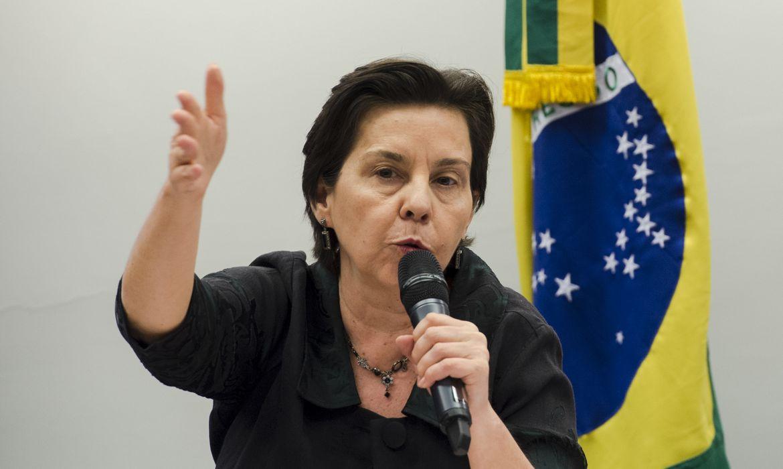 Brasília - A ministra Tereza Campello fala na reunião da Comissão de Seguridade Social  sobre os impactos negativos aos beneficiários do Bolsa Família em caso de corte orçamentário (Marcelo Camargo/Agência Brasil)