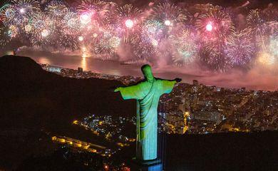 Festa em Copacabana reuniu 2,9 milhões de pessoas, diz Riotur
