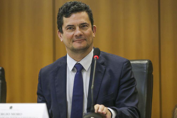 O ministro da Justiça e Segurança Pública, Sergio Moro, durante entrevista coletiva para apresentar um balanço da primeira fase da Operação Lábaro da PRF.