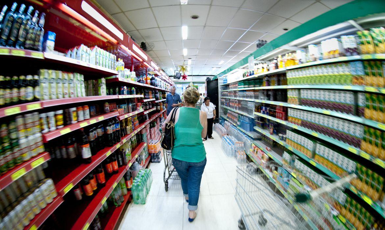 Supermercados, alimentos, cesta básica