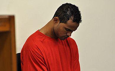 Goleiro Bruno retorna à prisão após decisão do STF