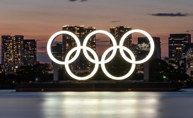 Aros Olímpicos em Tóquio para os jogos de verão de 2020.