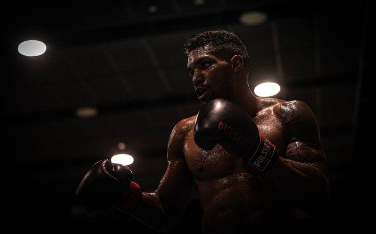 14.07.2021 Jogos Olímpicos Tóquio 2020 - Base de Ota. Treino de Boxe no Ota General. - Abner Teixeira avança às quartas - boxe