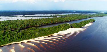 Parques do Brasil segue pelo Rio Negro para mostrar o Parque Nacional do Jaú