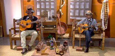 A roda de viola fica por conta dos violeiros Tonho Mulato & Quinzinho no Brasil Caipira.
