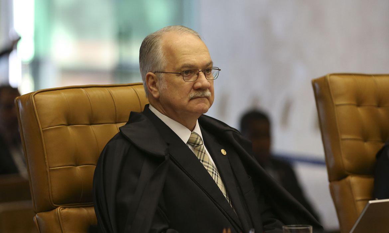Brasília - O ministro Luiz Edson Fachin durante a última sessão plenária no STF antes das férias forenses (José Cruz/Agência Brasil)