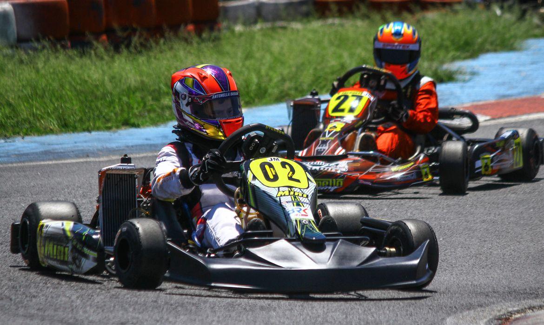 Pilota Antonella Bassani, de 14 (kart 2), uma das 20 selecionadas para disputar uma vaga na Academia da Ferrari