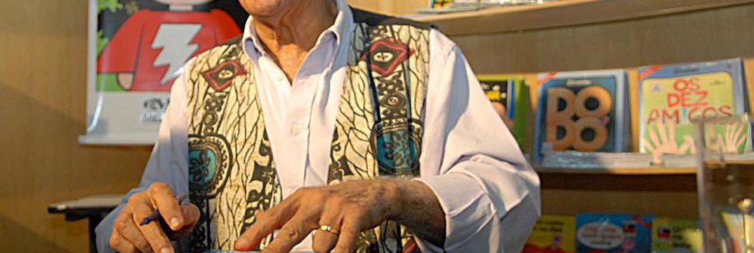 """O escritor e cartunista Ziraldo é o homenageado da 28ª Feira do Livro de Brasília, que teve o tema """"Leitura, Capital da Esperança""""."""