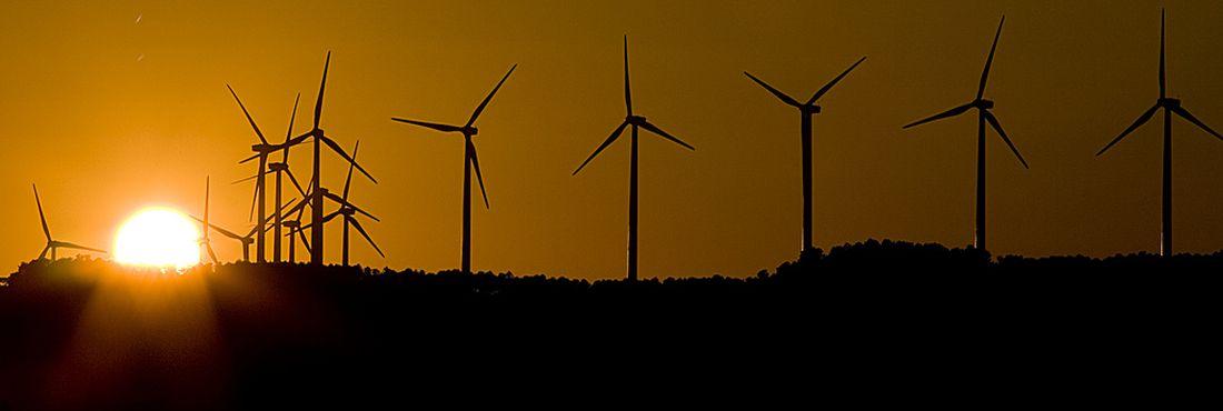 Primeiros investimentos em energia eólica no país foram feitos em 2004, com subsídios do Programa de Incentivo às Fontes Alternativas de Energia Elétrica