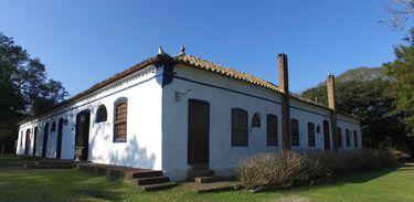 Charqueada São João é um dos únicos exemplares da arquitetura do Ciclo do Charque, data do início do século 19