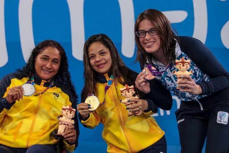 Joana da Silva disputa medalhas na natação no Parapan de Lima