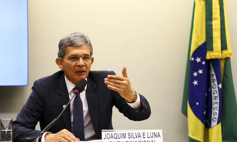 O Diretor-Geral da Itaipu Binacional, Joaquim Silva e Luna, participa de audiência pública na comissão de minas e energia da Câmara dos Deputados.