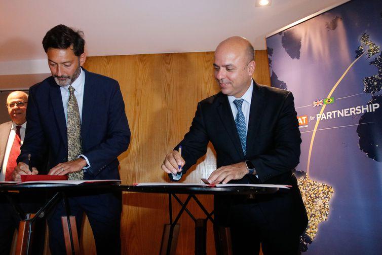 Brasil e Reino Unido fazem parceria para ampliar eficiência do INPI