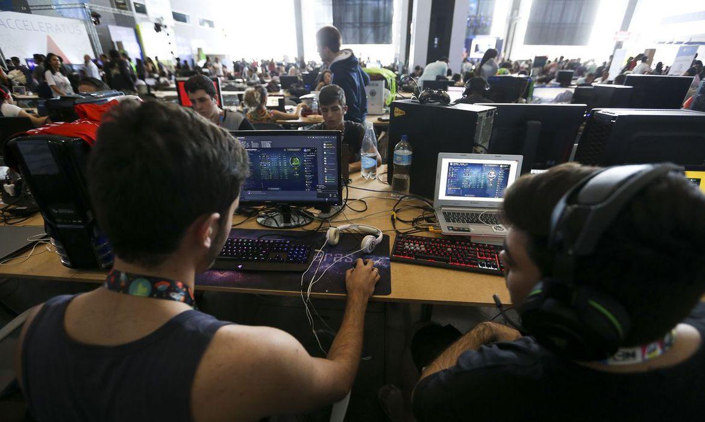 Computador, Alunos (Marcelo Camargo/Agência Brasil)