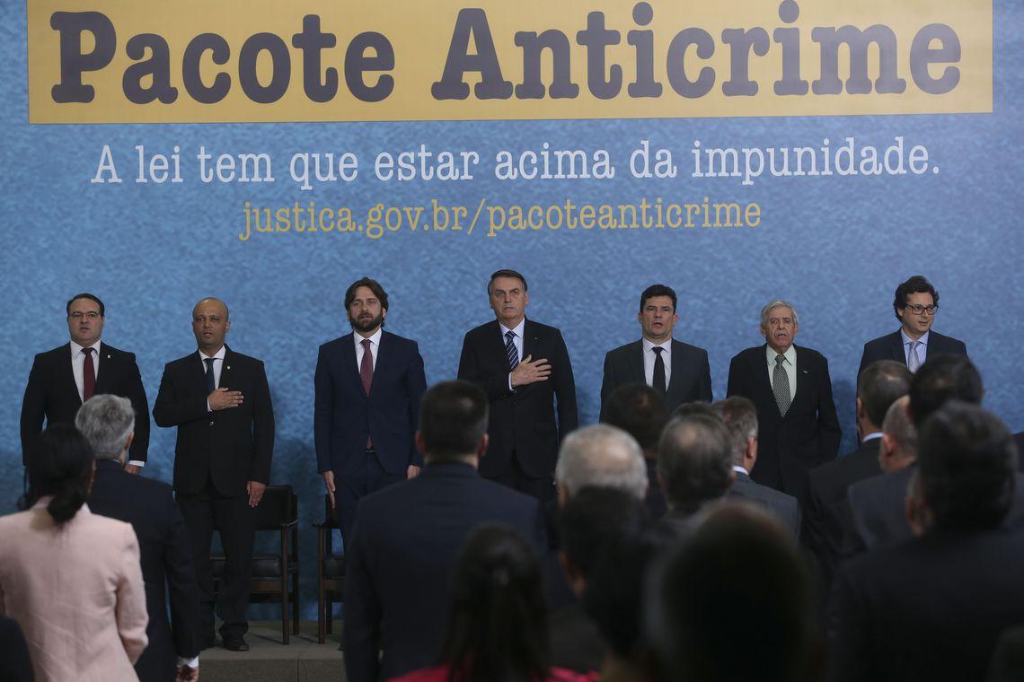 O presidente Jair Bolsonaro e o ministro da Justiça e Segurança Pública, Sergio Moro, participam do lançamento da campanha publicitária do Projeto Anticrime, do governo federal