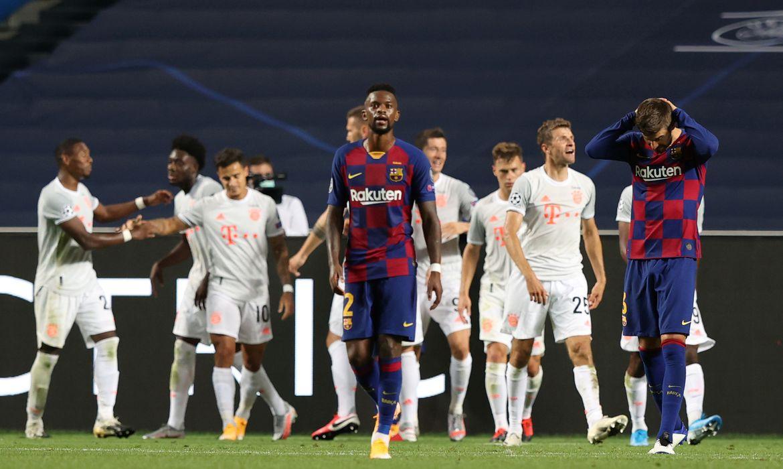 Jogadores do Bayern comemoram um dos gols contra o Barcelona no Estádio da Luz, em Lisboa