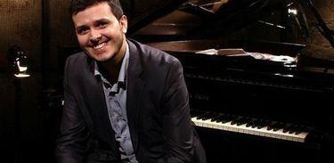 Silas Barbosa em apresentação no programa Partituras, da TV Brasil