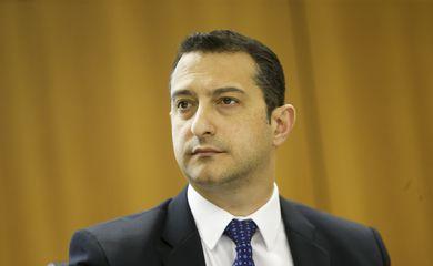 O diretor-geral da Polícia Federal (PF), Rogério Galloro, durante entrevista coletiva para divulgar balanço das ações do Ministério da Segurança Pública em 2018.