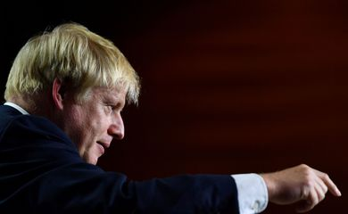 Britain's Prime Minister Boris Johnson gestures during a news conference at the end of the G7 summit in Biarritz, France, August 26, 2019. REUTERS/Dylan Martinez