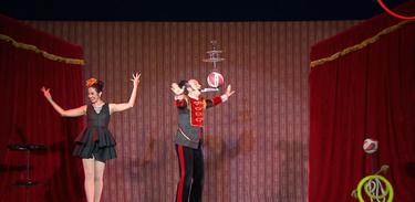 Circo Flutuante cultiva a magia e o charme dos picadeiros