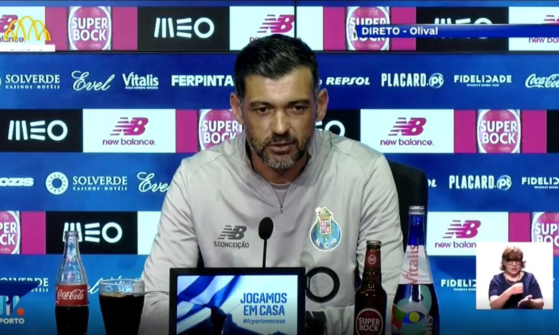 O técnico do Porto, Sergio Conceição, durante coletiva de imprensa no Estádio do Dragão