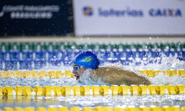 Douglas Matera - natação paralímpica - quebra recorde das Américas, e obtém índice para ir a Tóquio 2020