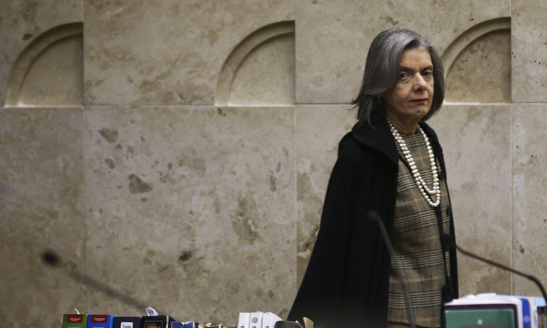 A presidente do Supremo Tribunal Federal, Cármen Lúcia, durante julgamento da validade da terceirização da atividade-fim nas empresas.