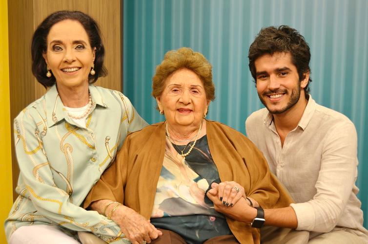 Vera Barroso, a pianista Nalva Nóbrega e Bruno Barros