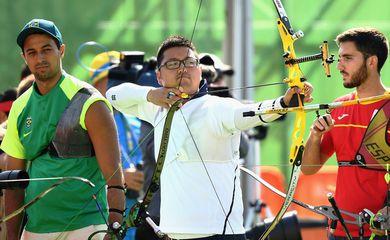Sul-coreano quebra primeiro recorde mundial e olímpico (Divulgação/Brasil 2016/Getty Images)