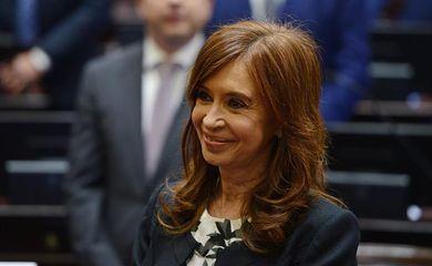 A ex-presidente Cristina Kirchner é eleita senadora na Argentina